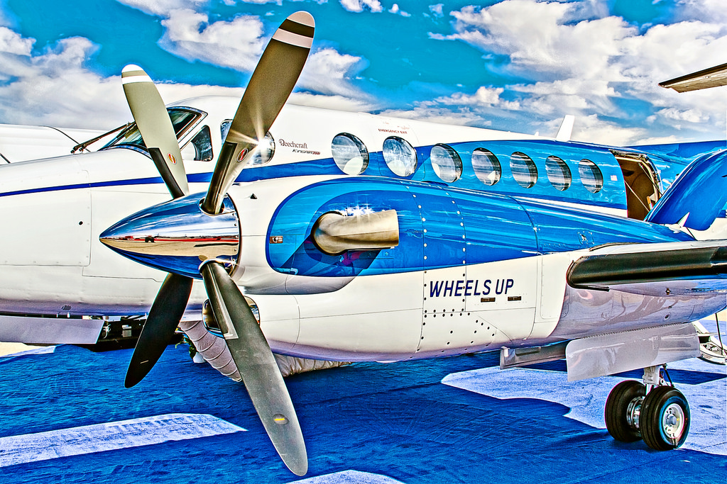 Beechcraft King Air 350i (N801UP)